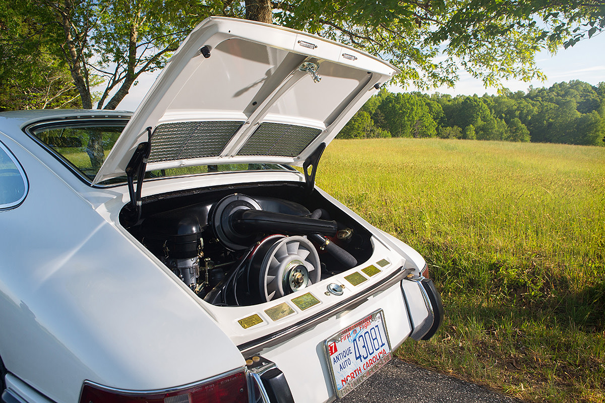 August 2016 Panorama Feature: Presurrection 1967 Porsche 911S